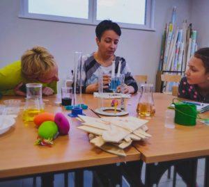 Szkolenie dla nauczycieli w Dobrczu - Metoda eksperymentu w obszarze przedmiotów matematyczno-przyrodniczych.